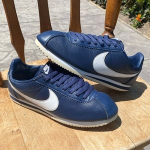 Nike Cortez Leather Men Size 9.5 Midnight Navy